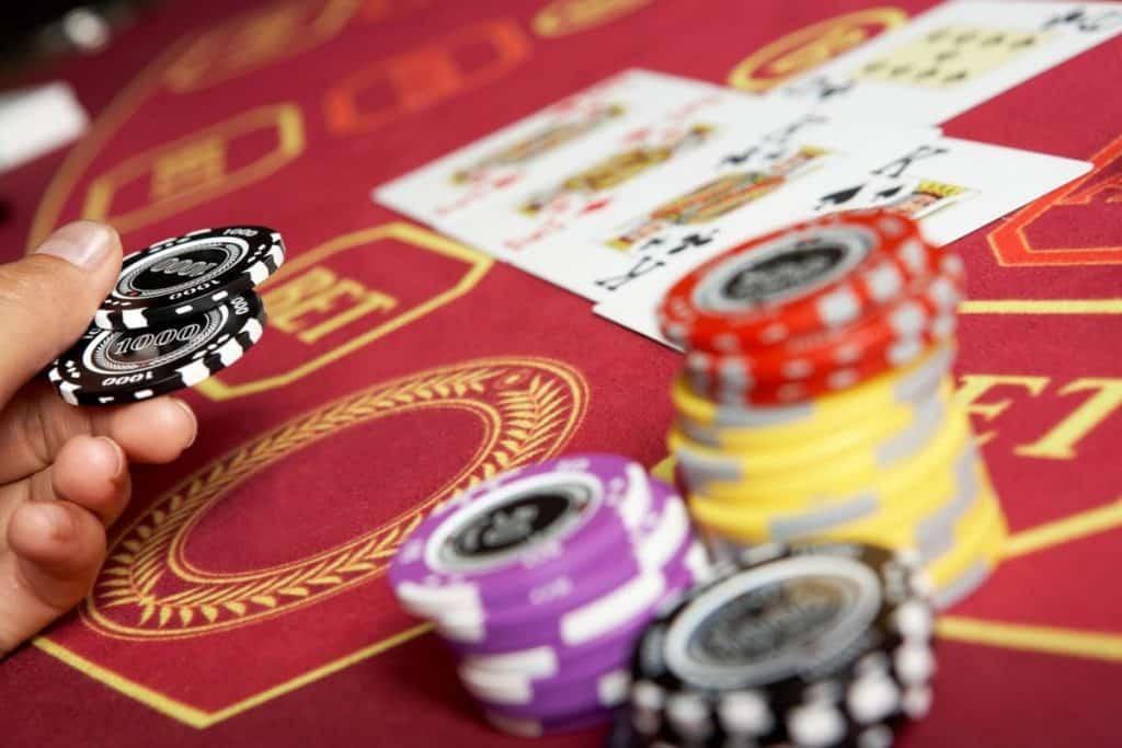 最受欢迎的比特币赌场纸牌游戏
